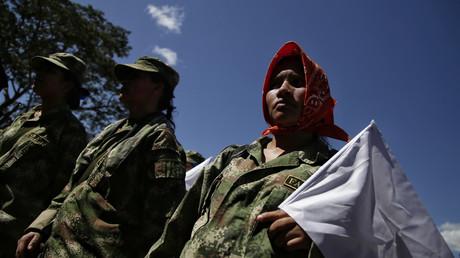 Mitglieder der FARC kritisieren die kolumbianische Regierung hinsichtlich der Umsetzung des Friedensprozesses mit der Guerilla.
