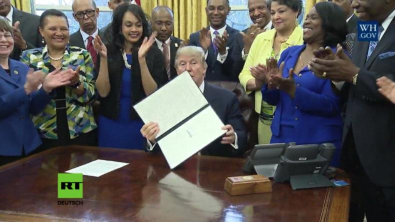 trump unterzeichnet Dekret zur Förderung von HBCUs.