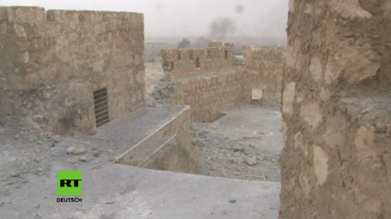 Exklusiv-Aufnahmen von der Zitadelle in Palmyra, nachdem sie zurückerobert wurde.