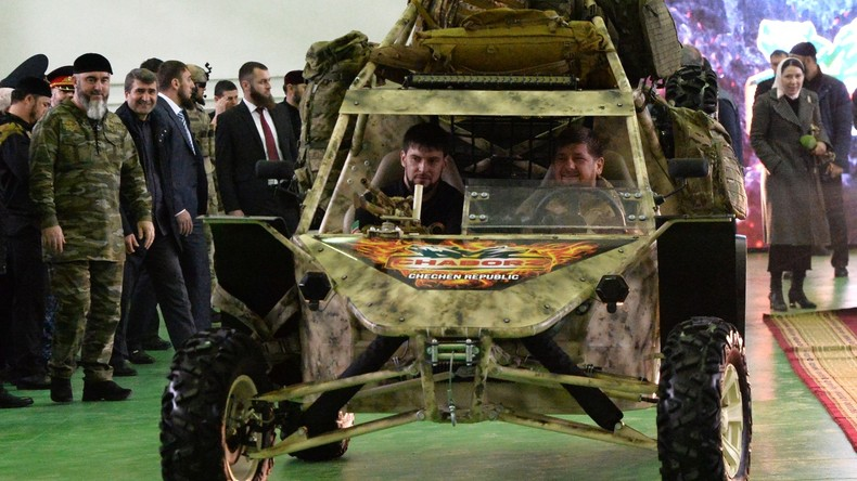 Autowerk in Tschetschenien präsentiert Mehrzweckbuggy
