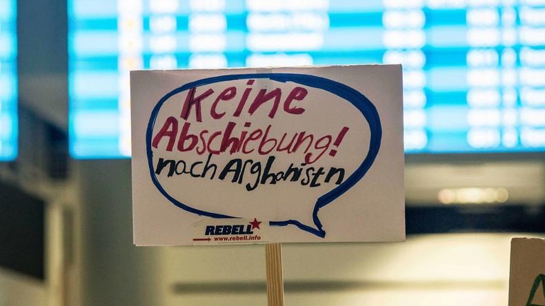 Angela Merkel soll 2015 eine Grenzschließung für Flüchtlinge geplant haben