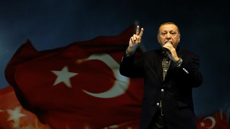 """Recep Tayyip Erdoğan wirft Deutschland """"Nazi-Praktiken"""" vor"""