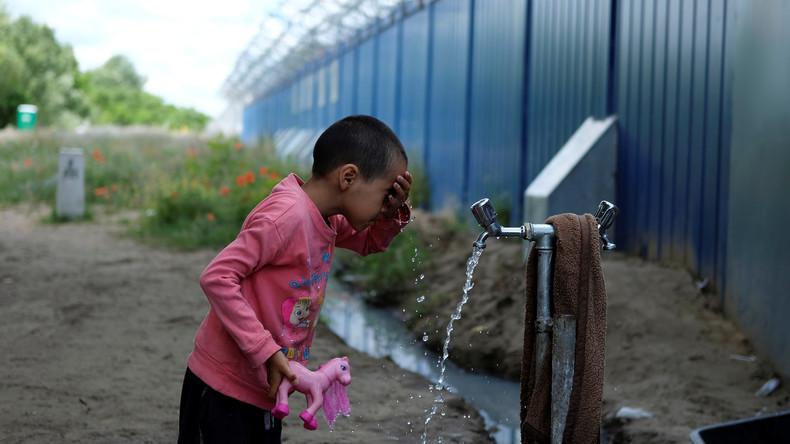 Asylsuchende können in Ungarn nicht weiter und bleiben in Transitzonen
