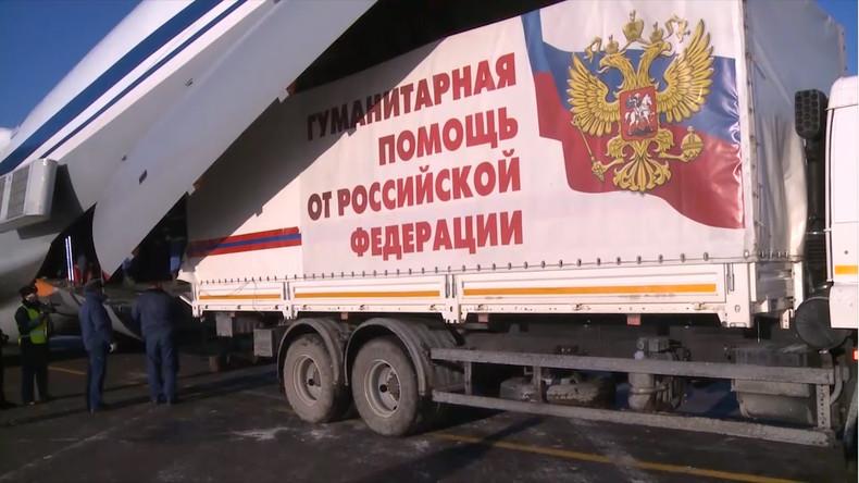Russische Militärs liefern gut acht Tonnen Hilfsgüter an Syrer