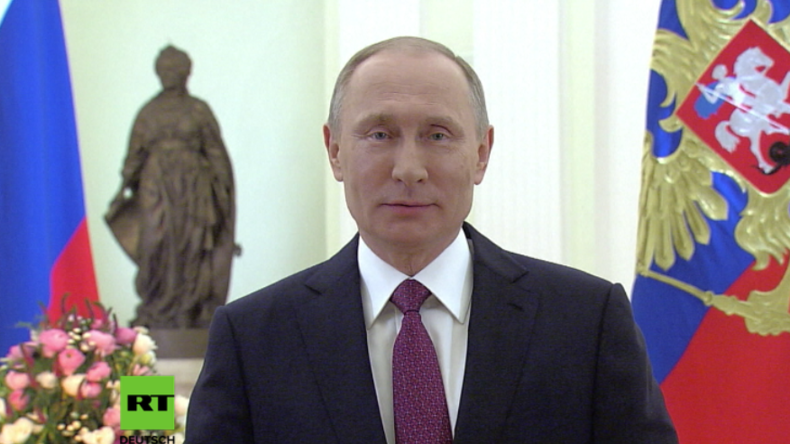 Putin hält Ansprache zum Weltfrauentag 2017.