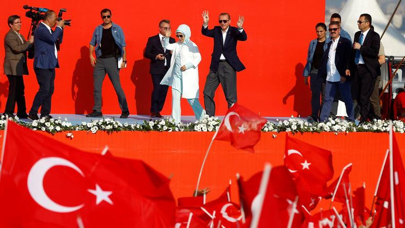 Erdogan bei Wahlkampfauftritt in Istanbul im August 2016