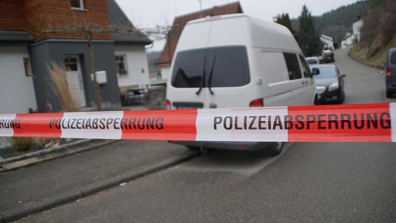 Mutmaßlicher Polizistenmörder fuhr nach Mord an seiner Großmutter noch Flüchtlinge zum Arzt