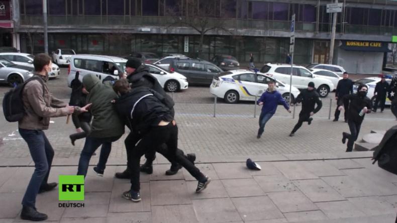 Unbekannte griffen Frauenmarsch in Kiew an