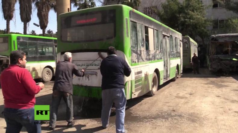 Linienbusse fahren erstmals nach fünf Jahren Krieg wieder in Aleppo.