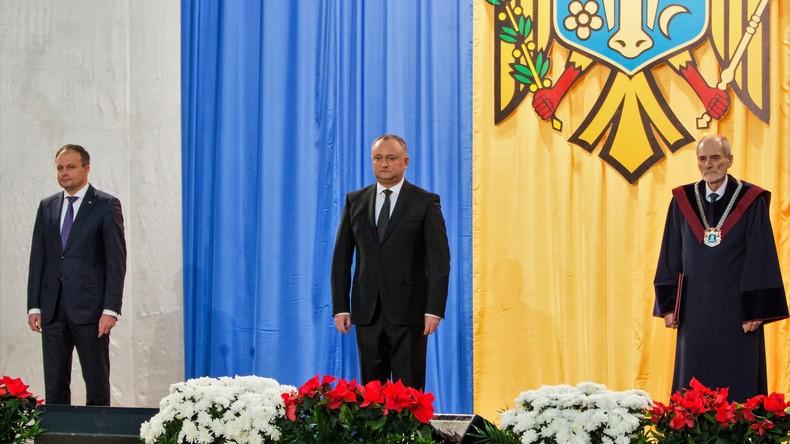 Andrian Kandy und Igog Dodon während der Amtseinführung Igor Dodons zum Präsidenten am 13. Dezember 2016