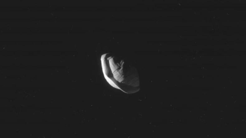 """NASA entdeckt """"Ravioli""""-Satelliten des Saturn"""