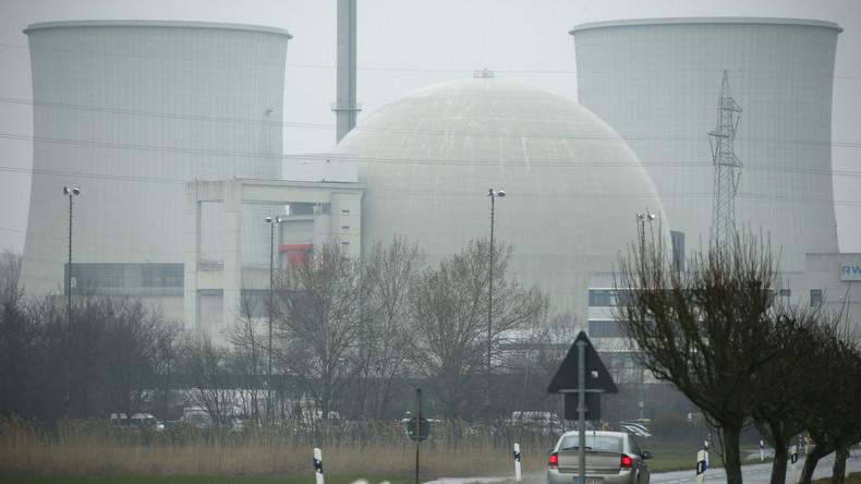 Fünf AKWs in Norddeutschland wegen Kontaktabbruch mit Zivilflugzeug evakuiert