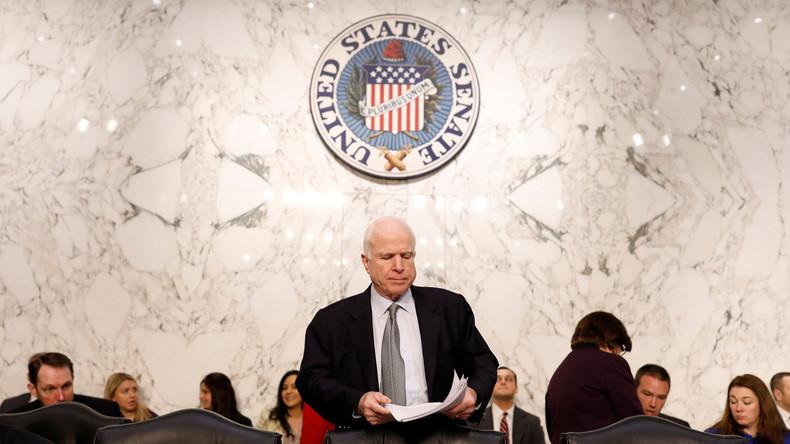 "US-Senator John McCain: ""Donald Trump soll Beweise für Barack Obamas Schuld liefern"""