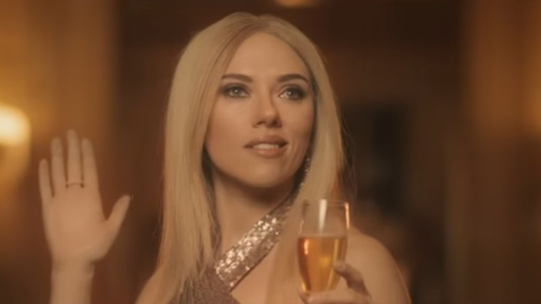 Scarlett Johansson parodiert Ivanka Trump [VIDEO]