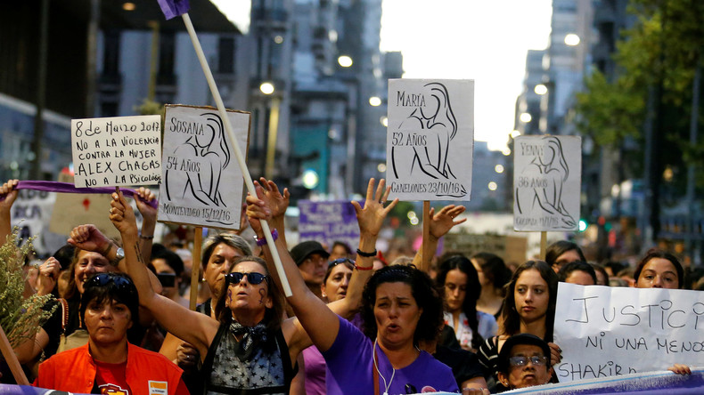Frauendemonstration in Montevideo