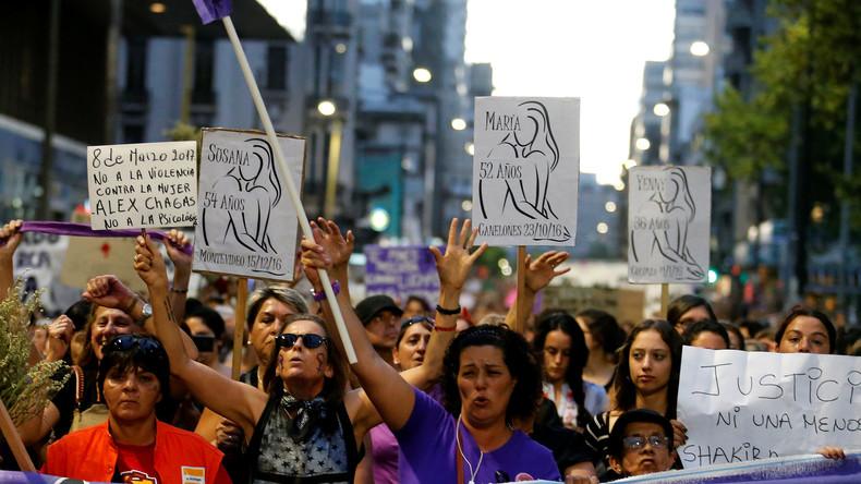 Frauendemonstration in Montevideo