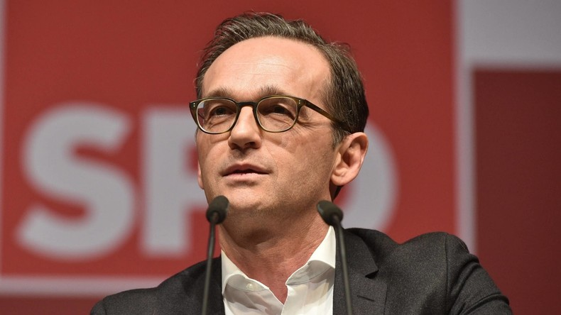 Bundesjustizminister Maas stellt Gesetz gegen Hass und Fake News im Netz vor
