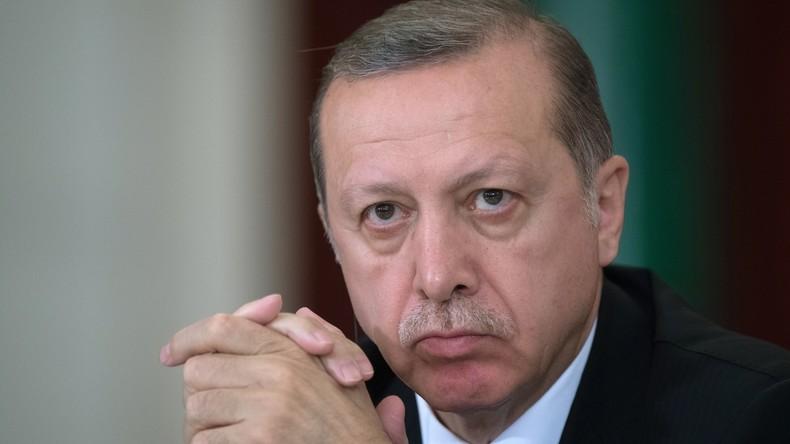 """Recep Tayyip Erdoğan: """"Der Geist des Faschismus treibt sich wild auf Straßen Europas um"""""""