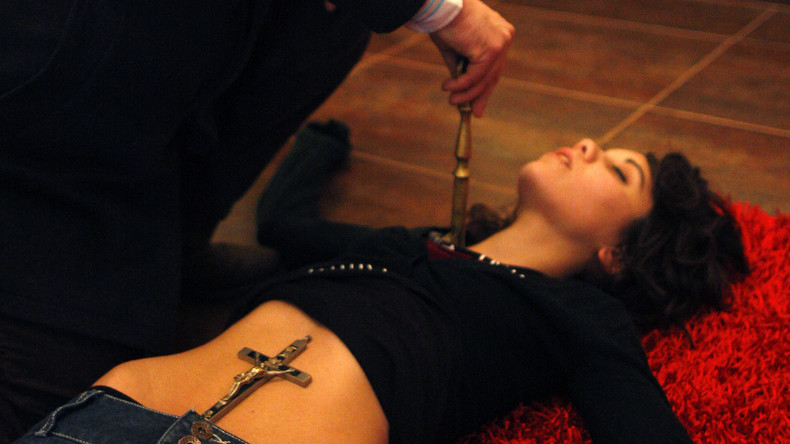 Papst Franziskus wirbt für Exorzismus