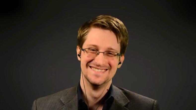 Live ab 17:30 Uhr: Edward Snowden spricht auf CeBIT-Messe in Hannover [mit dt. Simultan-Übersetzung]
