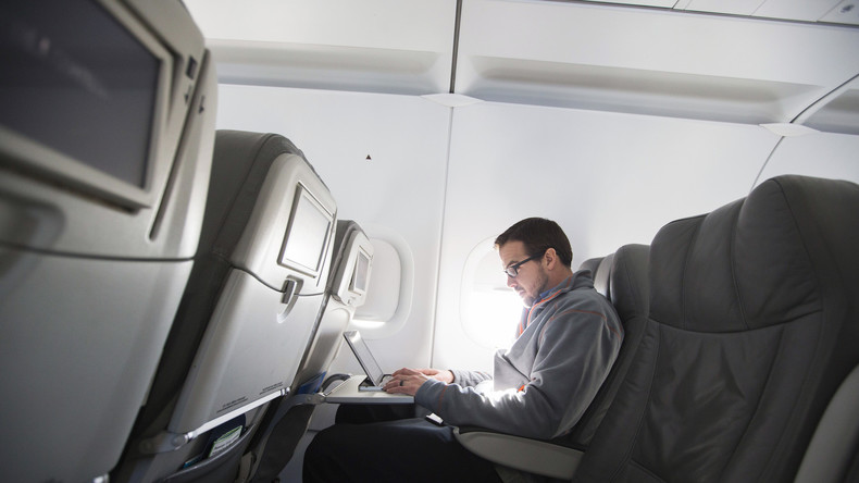 Medien: USA wollen Elektrogeräte in Flugzeugen aus Nahost und Nordafrika verbieten