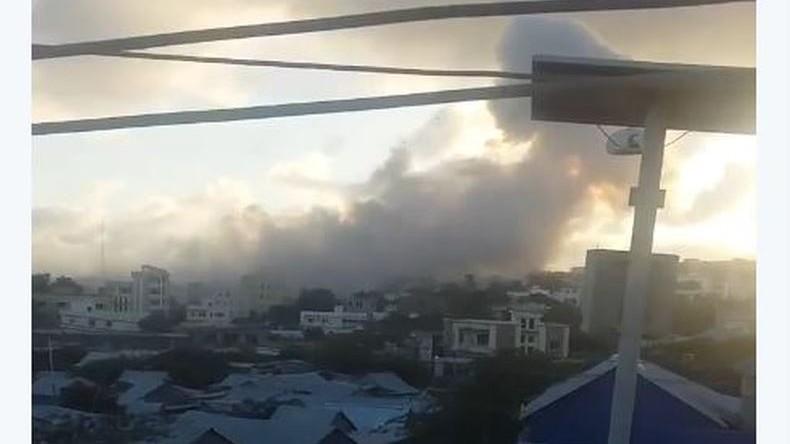 Autobombenexplosion am Präsidentenpalast in Mogadischu