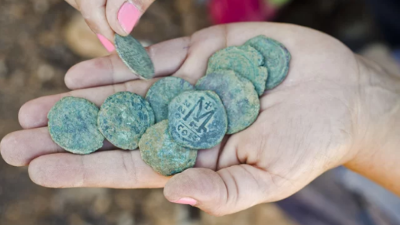 Archäologen entdecken 1.400 Jahre alte Münzen in Israel