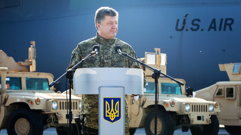Ukrainischer Präsident Petro Poroschenko auf Kiewer Flughafen