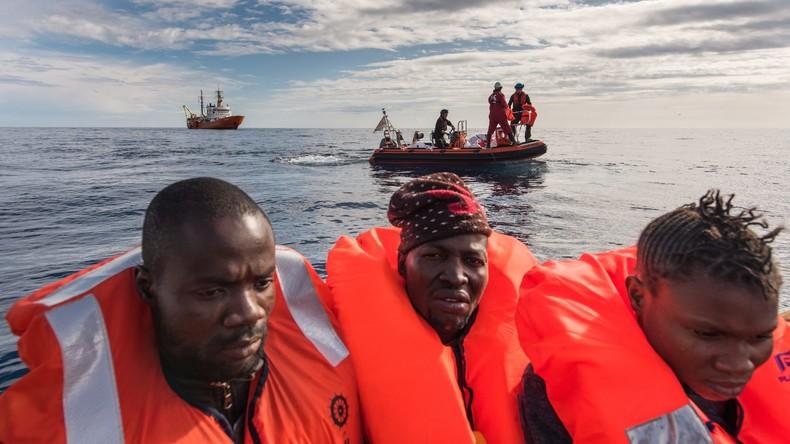 Bundesentwicklungsminister: 2017 bis zu 400.000 Flüchtlinge aus Afrika in Italien erwartet