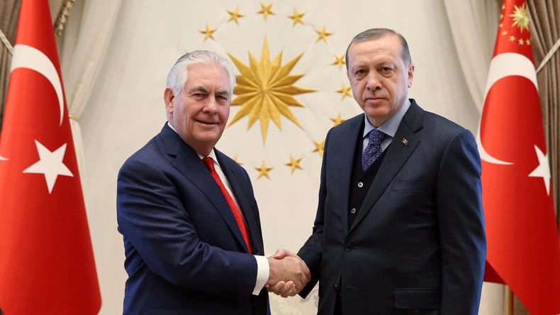 Erdogans und Tillersons Anti-IS-Debatte zieht sich in die Länge, Gülen-Auslieferung im Mittelpunkt