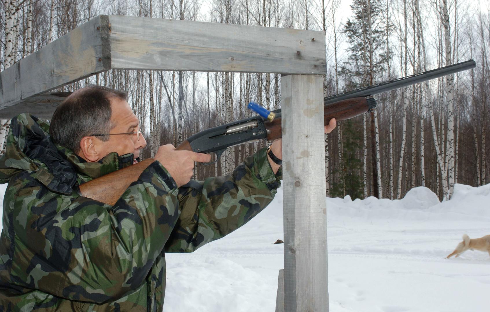 Sergej Lawrow bei der Jagd in Chanty-Mansijsk. Aufgenommen am 23. März 2007.