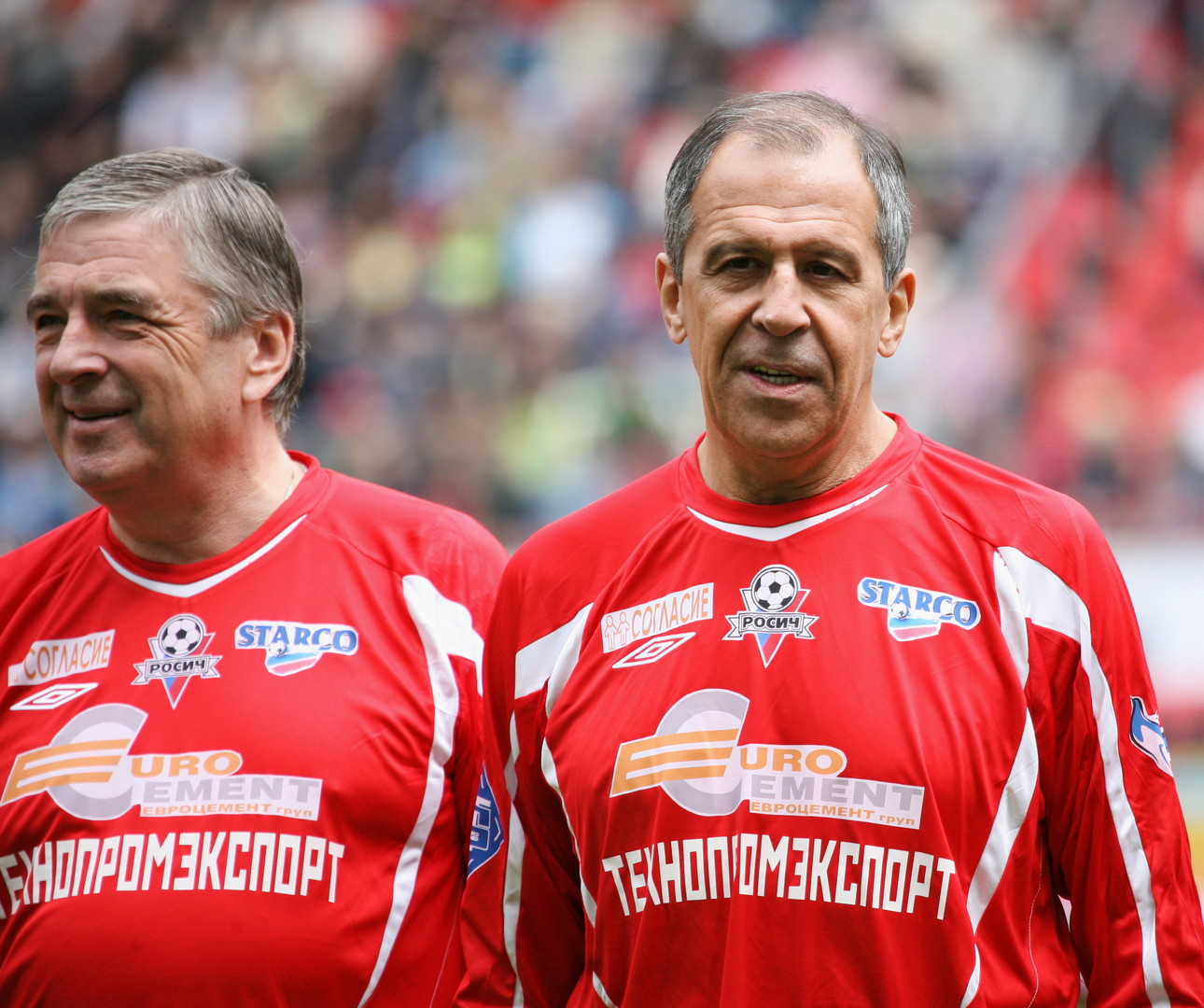 Lawrow bei einem Fußballspiel zwischen Politikern und Schauspielern im Juni 2008.