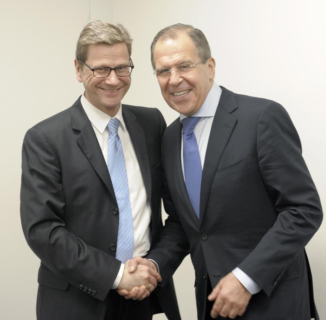 Der ehemalige Bundesaußenminister Guido Westerwelle und sein russischer Amtskollege bei einer Sitzung des UN-Sicherheitsrats am 13. März 2012. Westerwelle hat am 18. März 2016 den Kampf gegen den Krebs verloren.