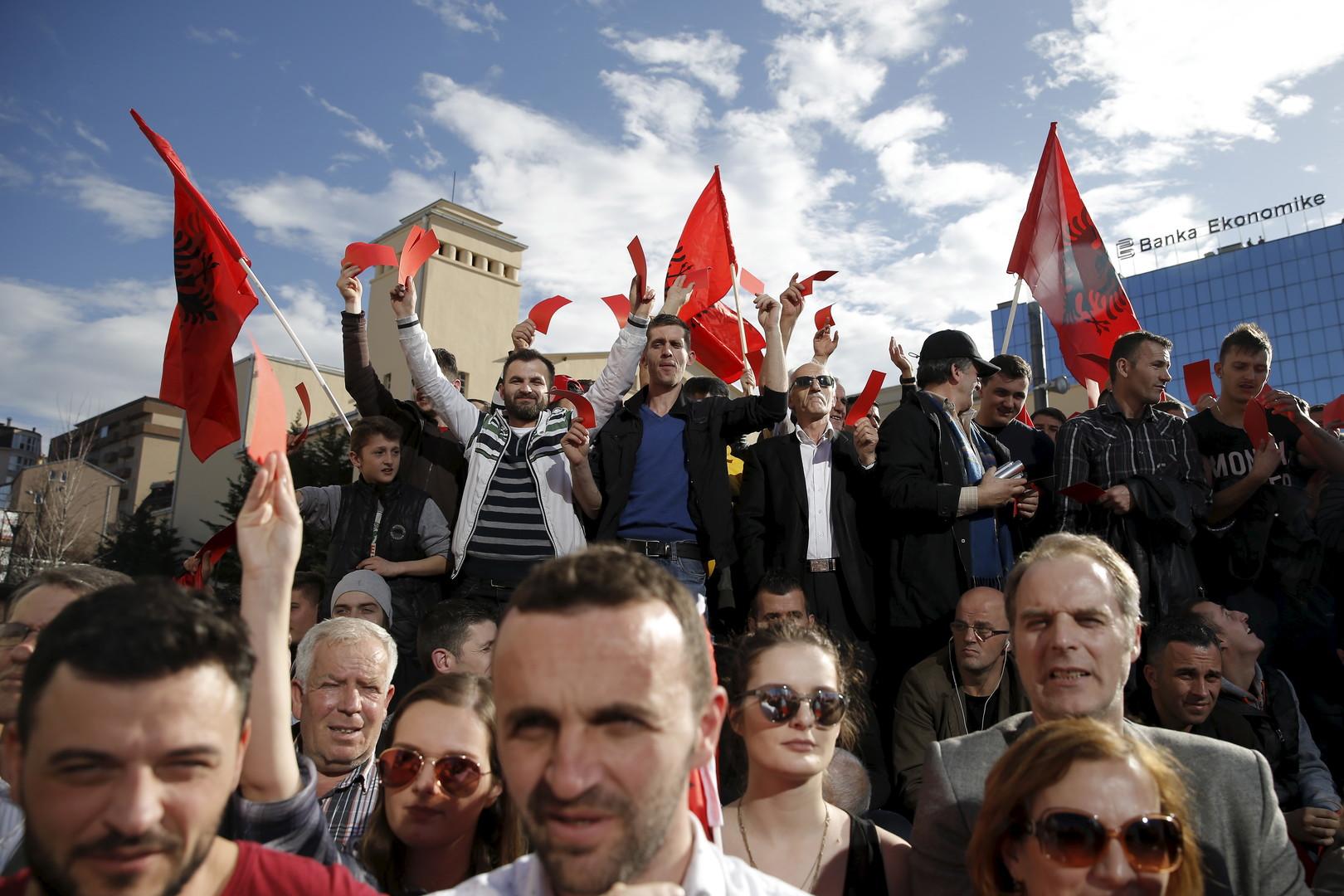 Militärische Interessen als Primärziel: Der Westen drängt Serbien in ein Bündnis mit Russland