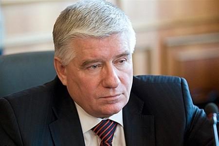 Michail Tschetschetow, ehemaliger erster Stellvertreter des Parteivorsitzenden der Partei der Regionen. Er starb am 28. Februar 2015. Tschetschetow stürzte aus dem Fenster seiner Eigentumswohnung im 17. Stockwerk. Er hinterließ einen Abschiedsbrief.