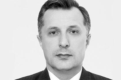 Stanislaw Melnik, ehemaliger Rada-Abgeordneter der Partei der Regionen. Melnik starb am 9. März 2015. Offizielle Todesursache: Selbstmord durch Schusswaffe. Auch er hinterließ einen Abschiedsbrief.