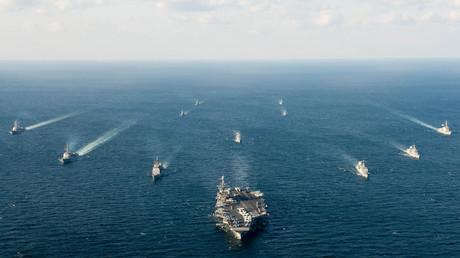 Schiffe der US-amerikanischen und der südkoreanischen Marine während eines Foal-Eagle-Manövers in Südkorea, 24. März 2016.