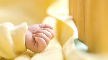 Chinesin erlebt zwei Geburten in einer Woche