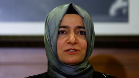 """Türkische Familienministerin beschwert sich über """"unmenschlichen"""" Umgang in Holland"""