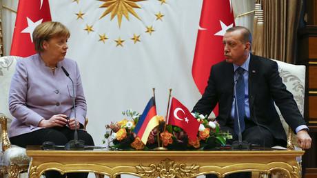 Die deutsche Bundeskanzlerin Angela Merkel und der türkische Staatspräsident Recep Tayyip Erdogan, während eines Treffens in Ankara.
