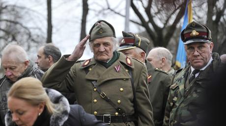 Teilnehmer des Gedenkmarsches für Legionäre der lettischen Waffen-SS am 16. März 2016.