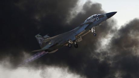 Israels Luftwaffe hat seit Ausbruch des Krieges in Syrien mehrfach Ziele jenseits der Grenze ins Visier genommen. Die Regierung in Jerusalem möchte damit verhindern, dass Waffen aus dem Kampfgebiet der libanesischen Hisbollah in die Hände fallen.