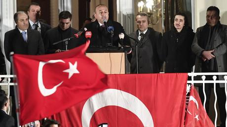 Der türkische Außenminister bei einem Auftritt in Hamburg, März 2017.