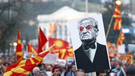 Zehntausende protestieren in Skopje gegen Brüssel und George Soros.