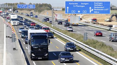 Die Nutzung und Finanzierung deutscher Autobahnen als Politikum -  Privatisierung  als Allzwecklösung ist stark umstritten