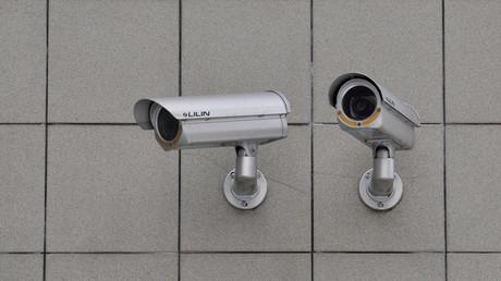 Vernetzte Überwachung und biometrische Gesichtserkennung: Am Berliner Südkreuz lassen BKA, Bundesinnenministerium, Deutsche Bahn und Bundespolizei nichts aus.