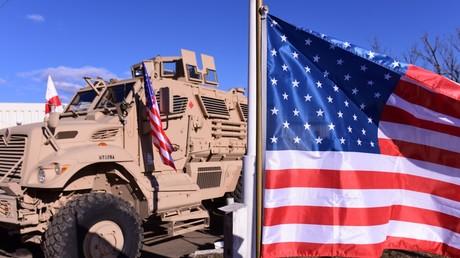 Experten gehen davon aus, dass der Schritt mehr oder minder gewohnheitsmäßig von irgendeinem Beamten veranlasst wurde und vor allem dem Zweck dienen soll, US-Rüstungsunternehmen auf dem Weltmarkt Vorteile zu verschaffen.
