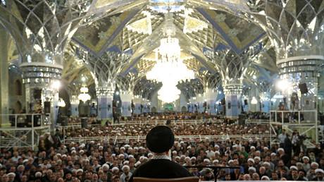 Ajatollah Ali Khamenei bei seiner traditionellen Neujahrsansprache in der Heiligen Stadt Maschhad; Iran, 21. März 2017.