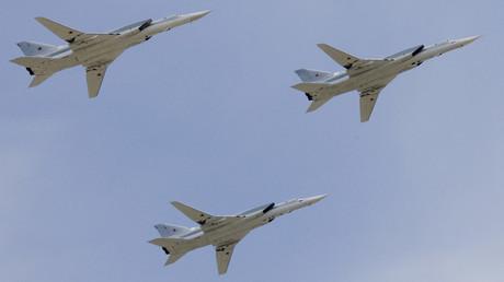 Strategische Langstrecken-Überschallbomber des Typs Tupolew Tu-22M3