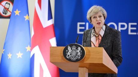 Die Premierministerin Großbritanniens, Teresa May, tritt beim EU-Gipfel in Brüssel am 9. März 2017 auf.